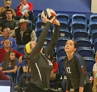 Lady Pats Volleyball in District Championship