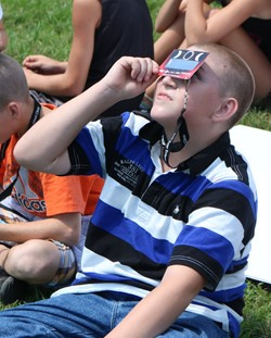 Students Watch Great American Eclipse