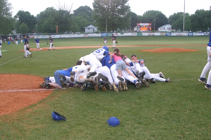 2006 celebration after winning Region 4 championship