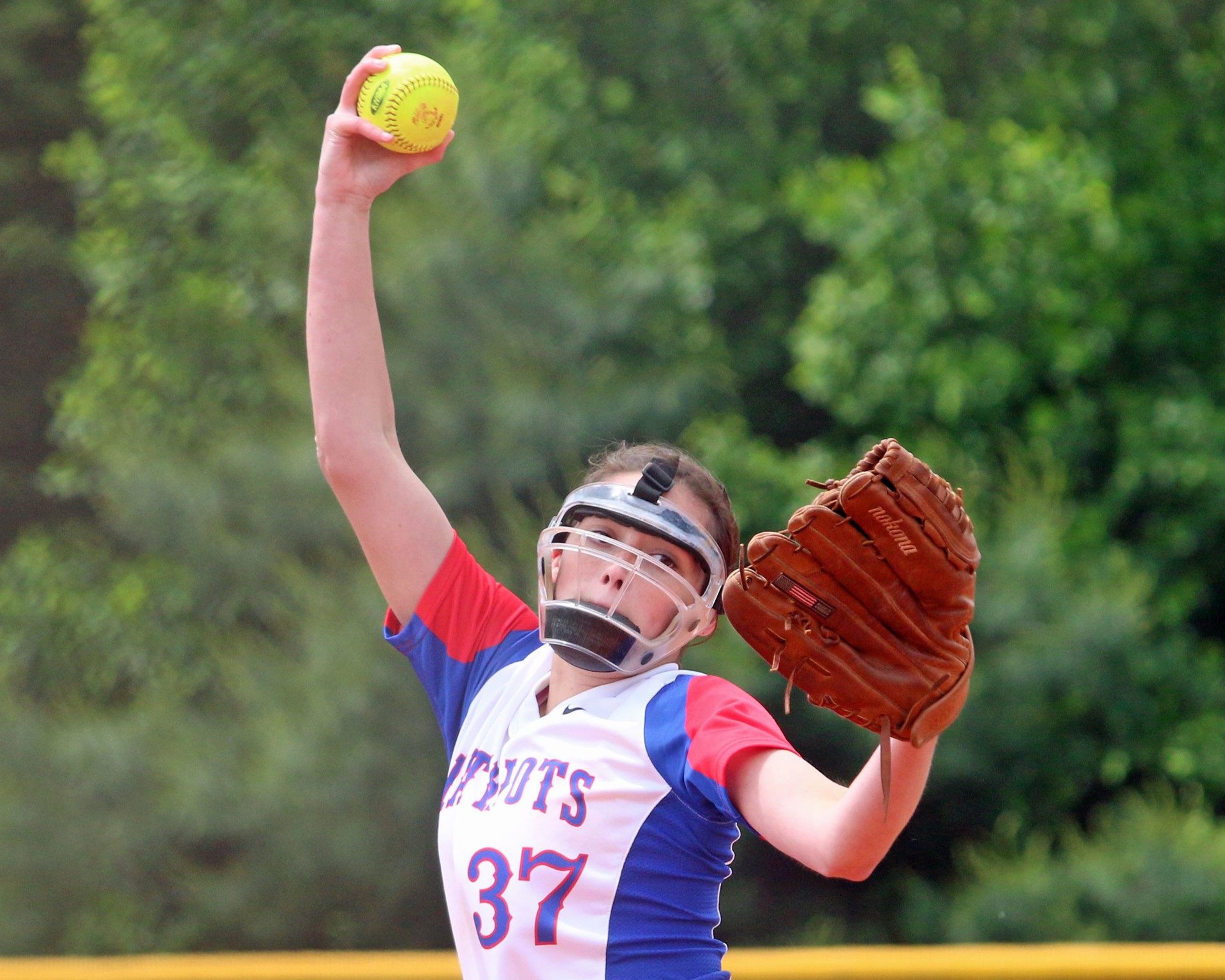 Lady Patriot Kris-Anne Pardue looking for an out.