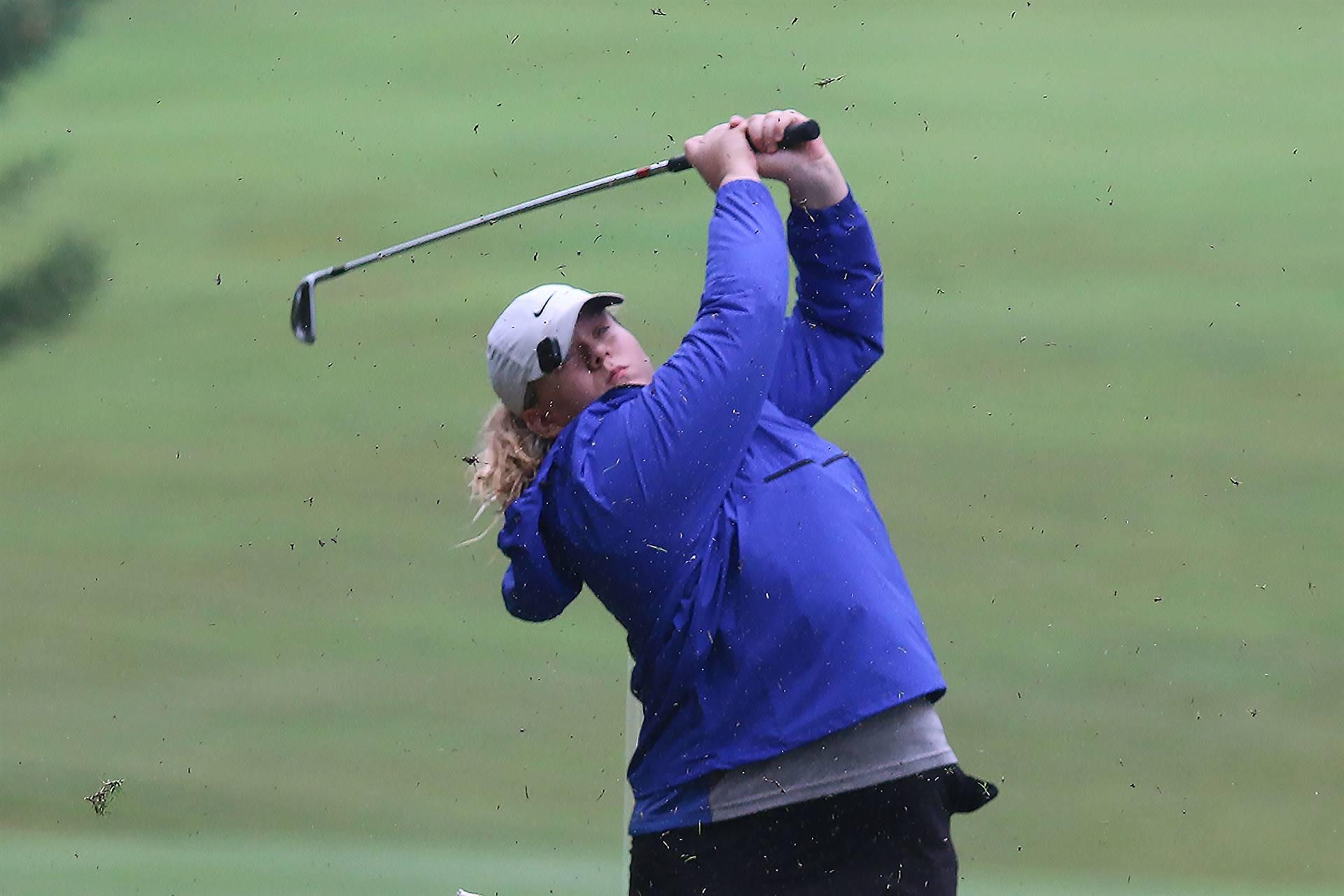 Lady Patriot golfer