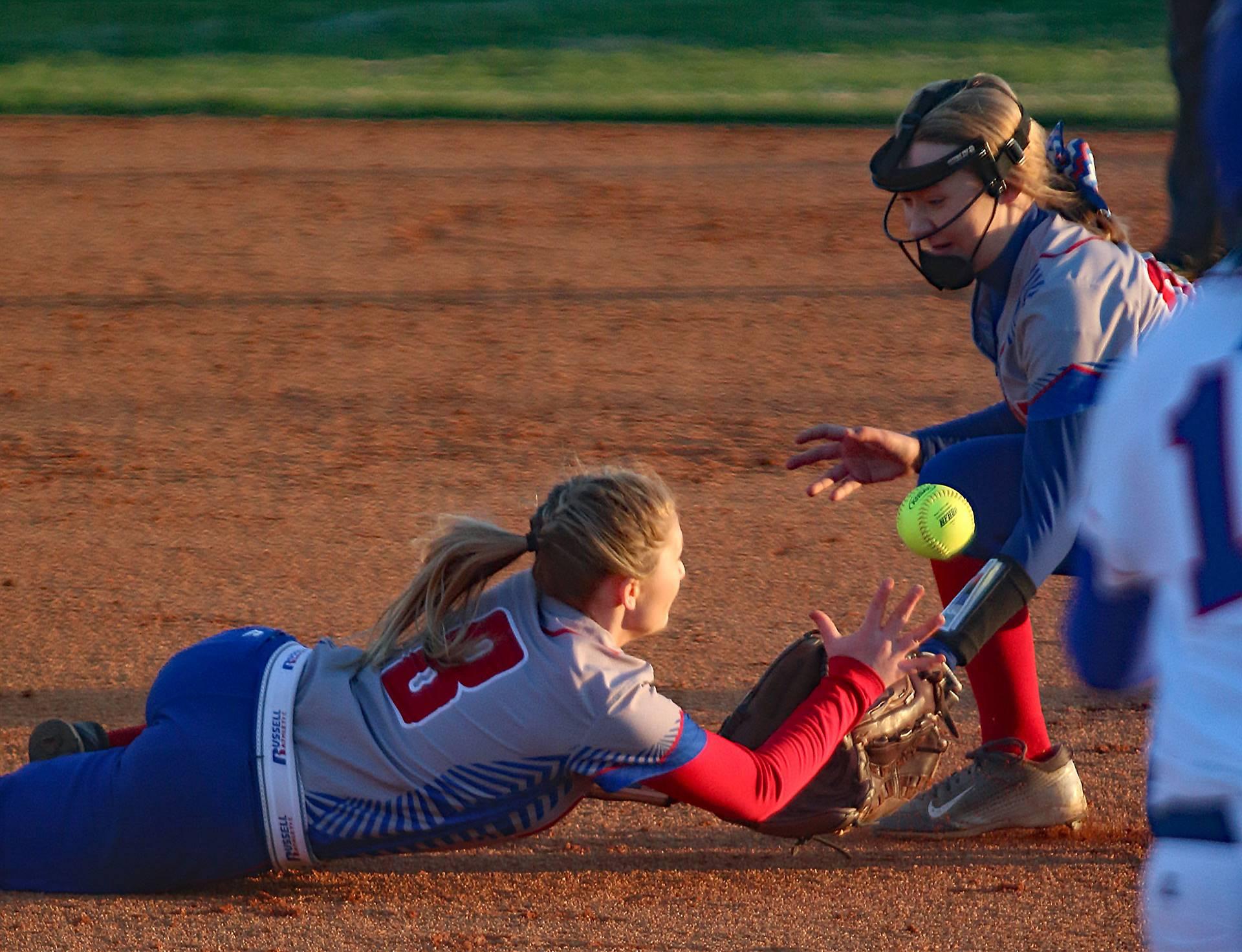 softball catch attempt