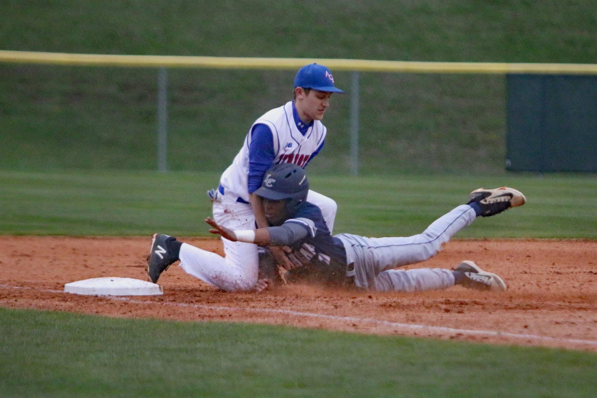 baseball play at third