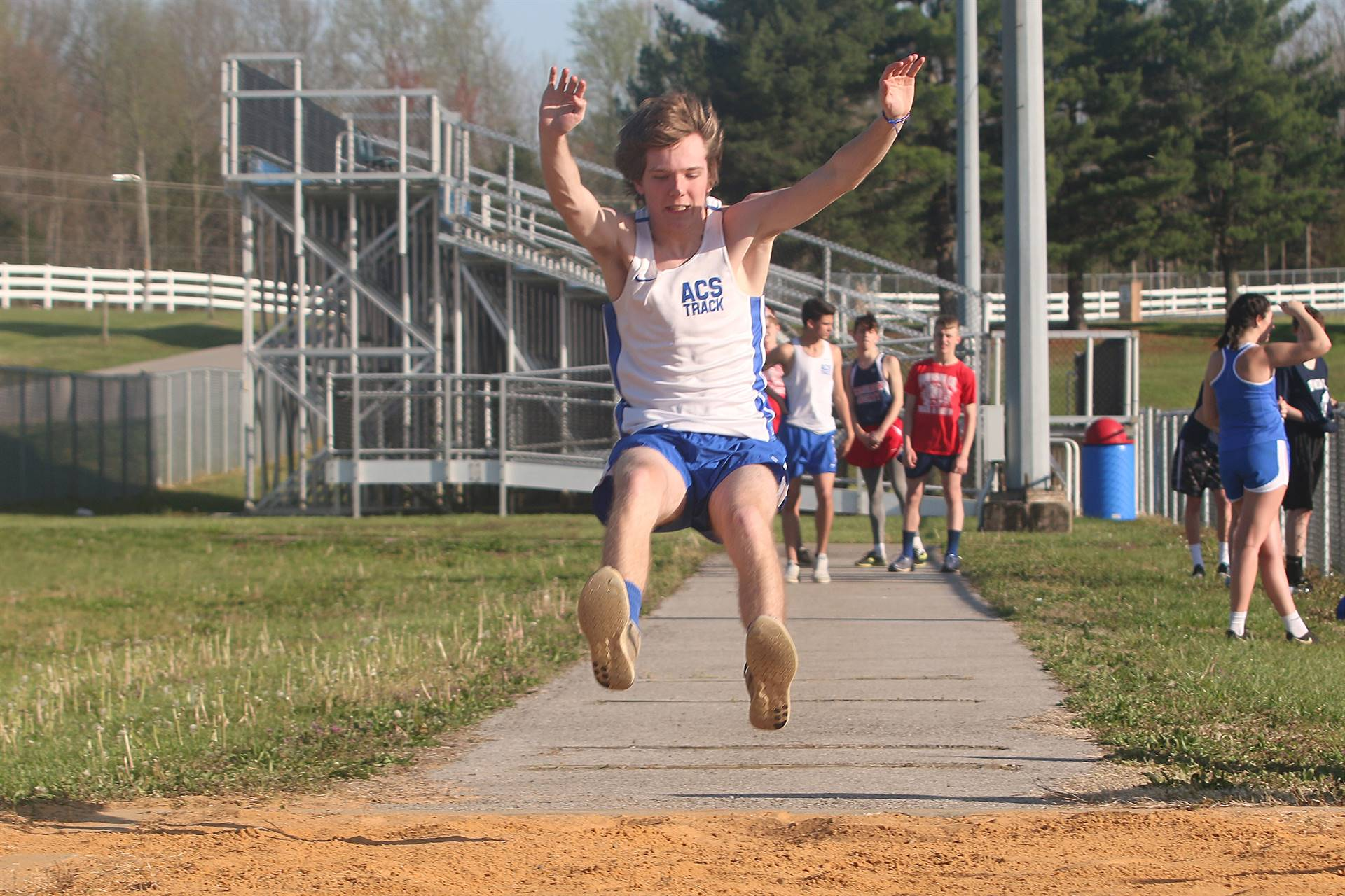 track long jump