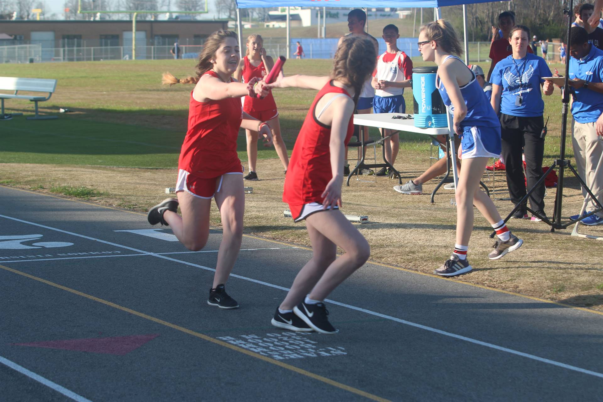 track relay race