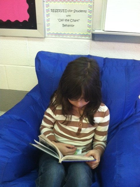 When you clip off the chart you get to read in the big chair! Way to go Helen!!!!